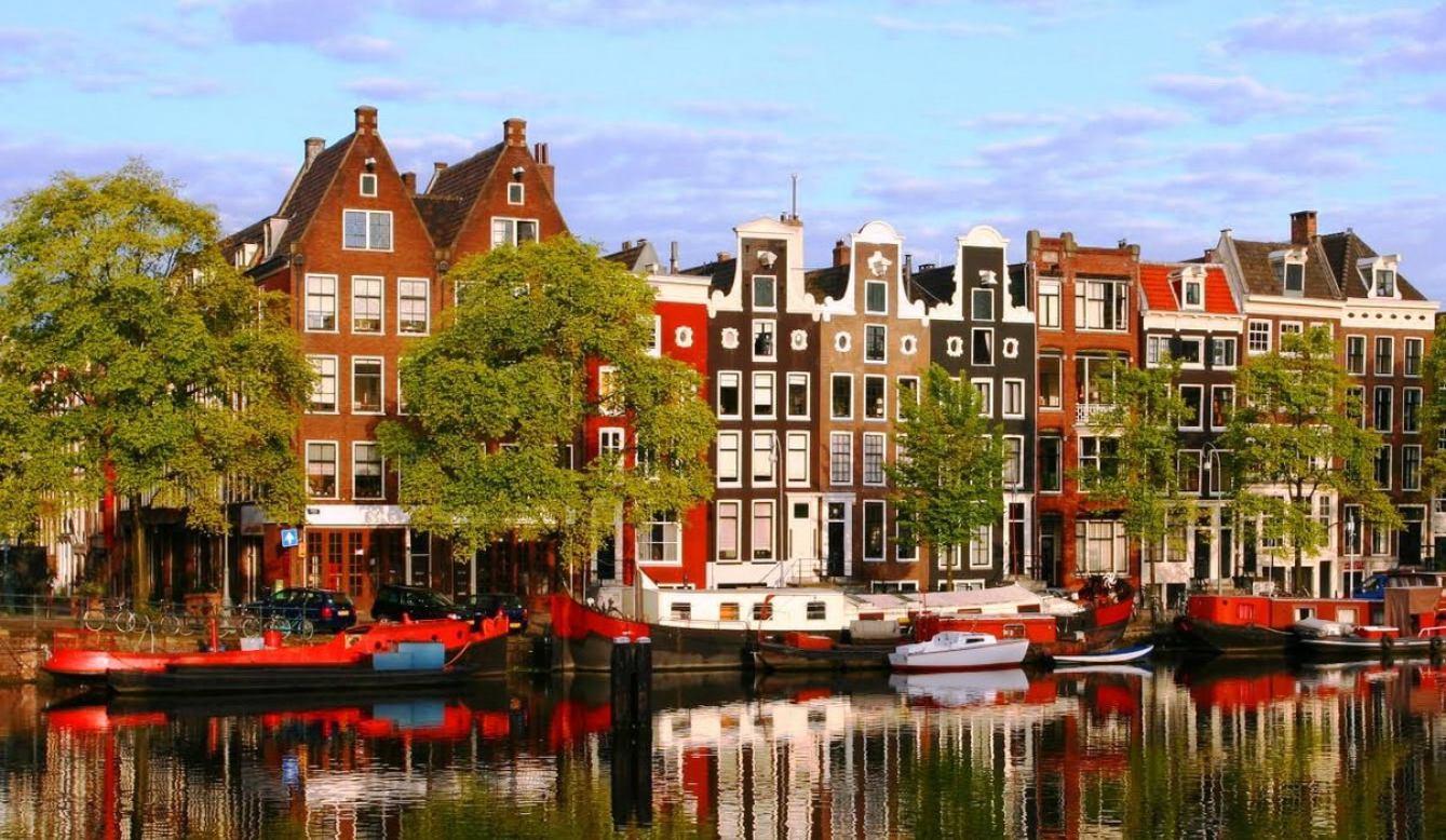 Airbnb ограничен законодательно: Амстердам – как первая ласточка перемен